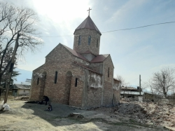 თქვენი დახმარებით, ხაშურში 12 მოციქულის ტაძრის მშენებლობა მალე დასრულდება და პირველი წირვა-ლოცვაც აღევლინება