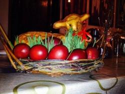 სააღდგომო კვერცხები და საზრდოს კურთხევა