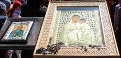 წმინდა ანდრია მოციქულს თან უნდა წაებრძანებინა ხატი, რომელიც ღვთისმშობლის პირზე დადებით გამოისახებოდა