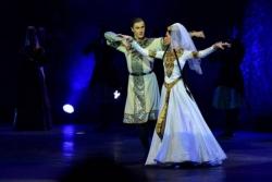 აზერბაიჯანელები ქართულ ცეკვას ასრულებენ და ამბობენ, ჩვენიაო...