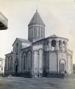 """საკათედრო ტაძარის - """"სობოროს"""" კურთხევიდან 150 წელი შესრულდა"""