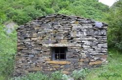 გროზნოს მუზეუმში დაცულია უამრავი ქვაჯვარი ქართული ასომთავრული ასონიშნებით