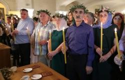 17 მაისს, 13 საათზე,  სამების ტაძარში მორიგი საყოველთაო ჯვრისწერა გაიმართება - ჯვარს 150 წყვილი დაიწერს