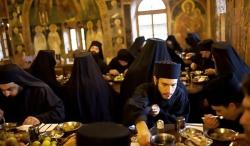 ქრისტიანის სადილი უნდა იყოს უბრალო და მცირე, ხელს არ უნდა უშლიდეს ღამის მღვიძარებას