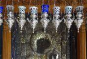 კანდელის თავისთავად მოძრაობა დღესასწაულებზე არის თვალხილული ნიშანი და დასტური იმისა, რომ ღმრთისმშობელი იმ დროს თავის ტაძარში იმყოფება