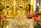 პოჩაევოს ღვთისმშობლის ხატთან დღესაც მრავალი სასწაული აღესრულება