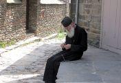როცა შეიტყობდა, სადმე ღარიბი ცხოვრობსო, მიდიოდა ჩუმად და მის კართან მოწყალებას ტოვებდა
